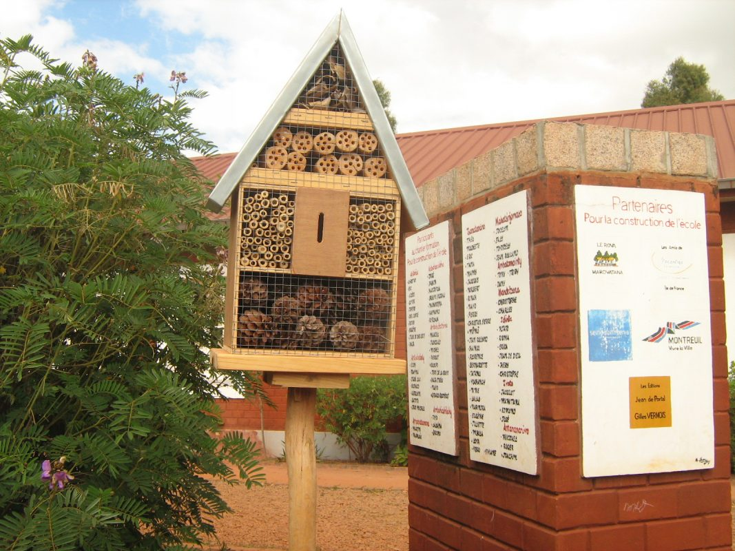 un abris pour accueillir les insectes